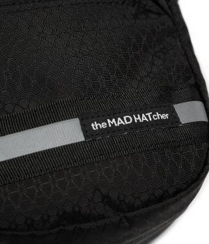 J1740_2019_1_21_The_Mad_Hatcher_AW18_静物_4064 1